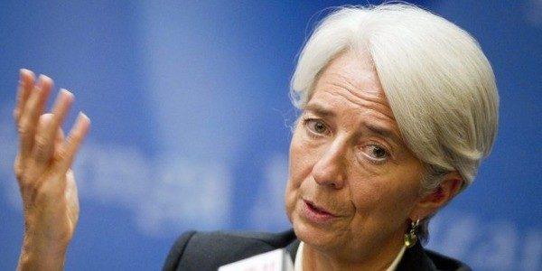 FMI taglia ancora stime crescita Italia, colpa delle banche.