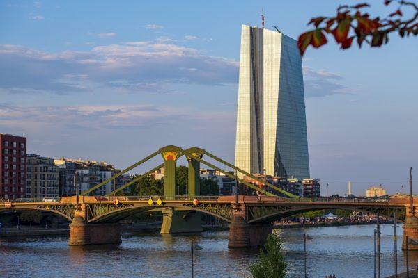 BCE alle manovre d'autunno, giù i tassi e spunta il tiering