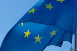 Eurozona, PIL rimbalza nel 3° trimestre ma… USA, consumi riprendono energia