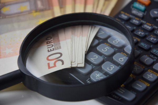 Ripresa della domanda, tra preoccupazioni e più spesa pubblica