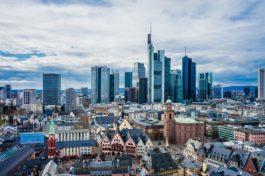Eurozona, fiducia operatori economici migliora a febbraio