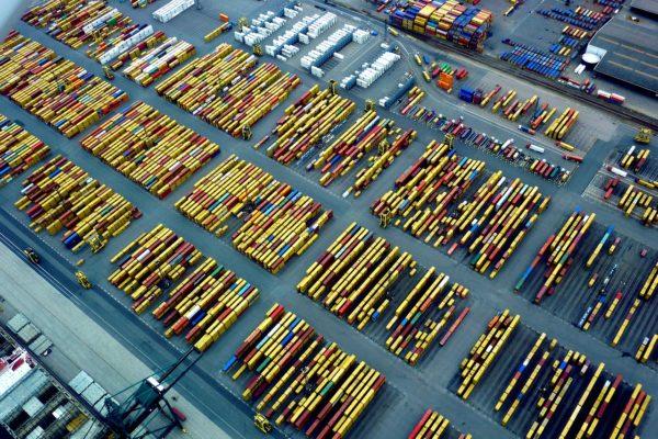 Supply chains e climate change. Oltre mille miliardi di dollari di ricavi a rischio